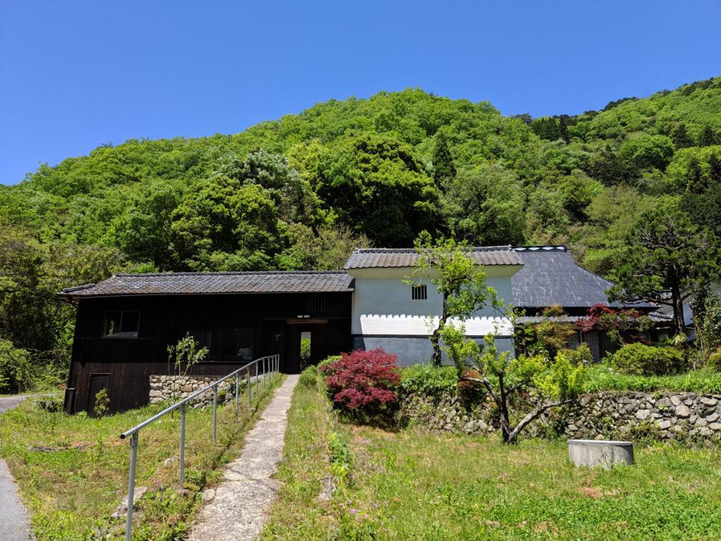 小森のツキノシタ外観、全景の写真
